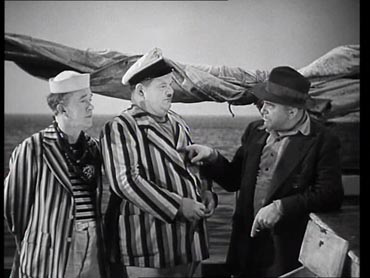 C'era una volta un piccolo naviglio (Saps at Sea) - Laurel & Hardy